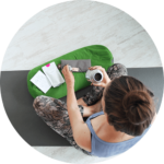 Yoga en thee bij Yogastudio Tula met yoga accessoire Superyoga