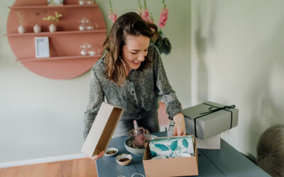 Theesommelier maakt complete pakketten met losse thee